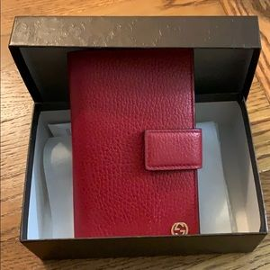 Gucci trifold soft leather wallet